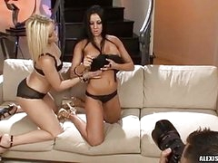 Big Butt Alexis Texas Acquires Too Hot To Handle With Girlfriend Audrey On The Couch