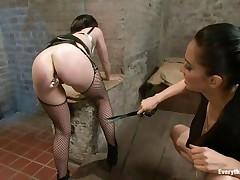 hawt brunette having joy with a beautiful ass