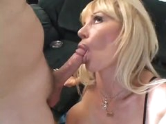 Licking milf box and fucking that muff