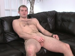 Dude strokes his own rod for joy in hd